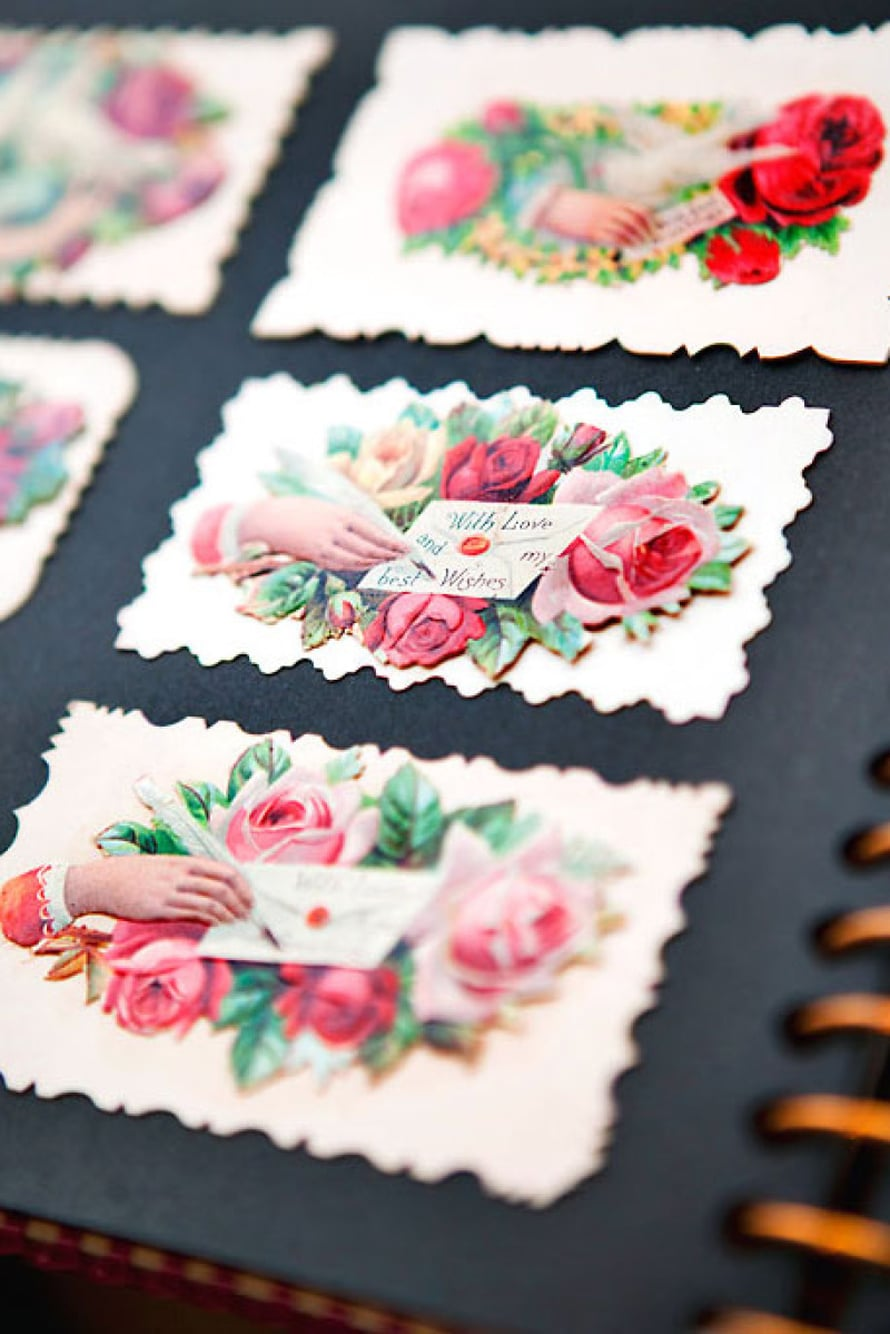 Amerikkalaisia viktoriaanisen ajan käyntikortteja. Kuvan alla on antajan nimi.
