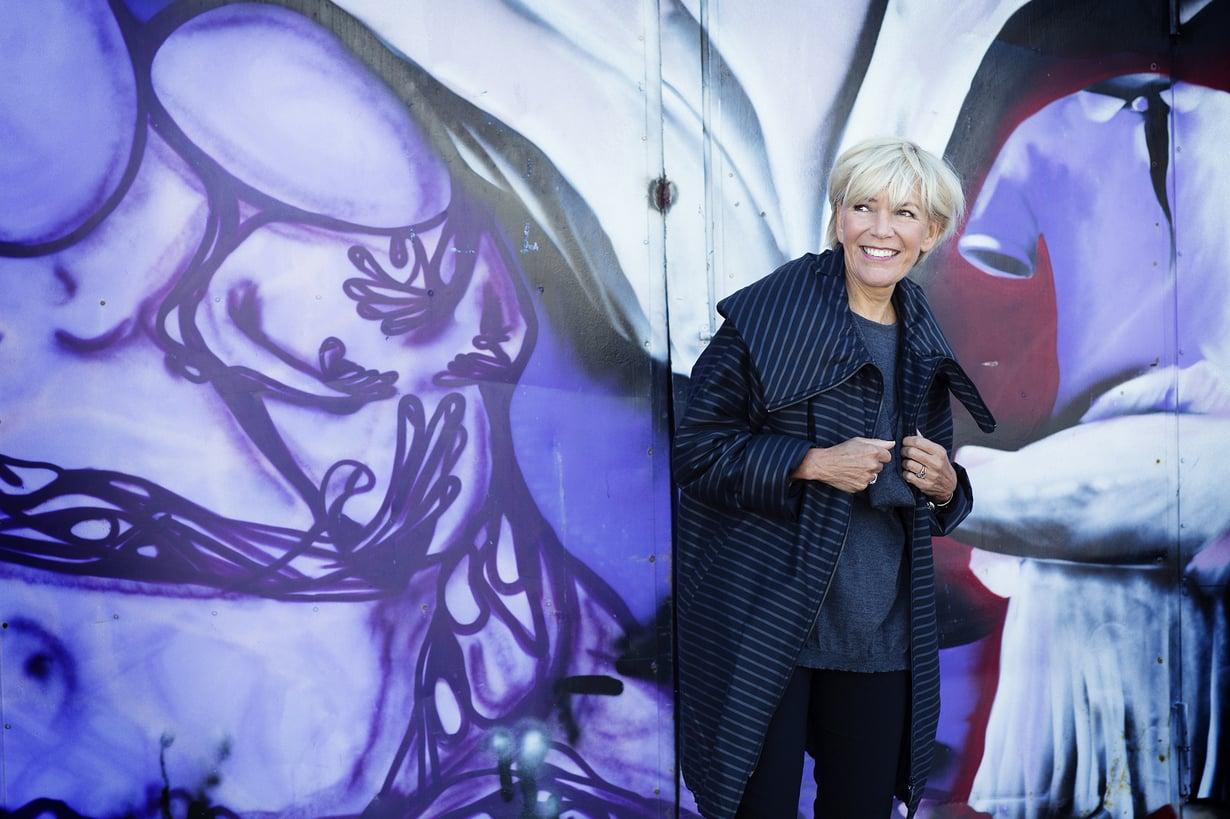 Ritva Falla on muotisuunnittelija, jonka vaikutus suomalaiselle vaateteollisuudelle on ollut merkittävä