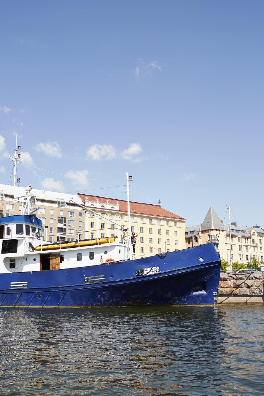 Hietalahden kauppahalli ja muut Helsingin keskustan palvelut ovat kivenheiton päässä.