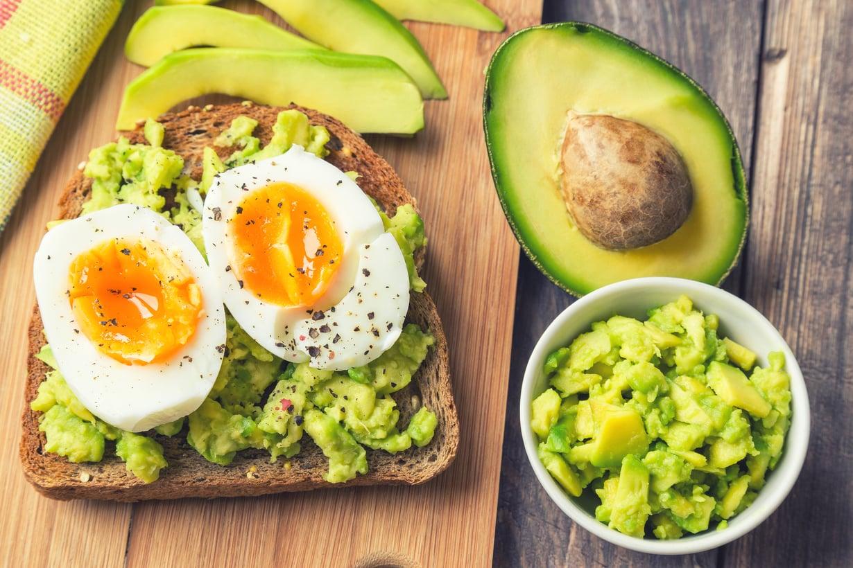 Täysjyväviljoja, hyvää rasvaa ja proteiineja – niistä on hyvä aamiainen tehty.
