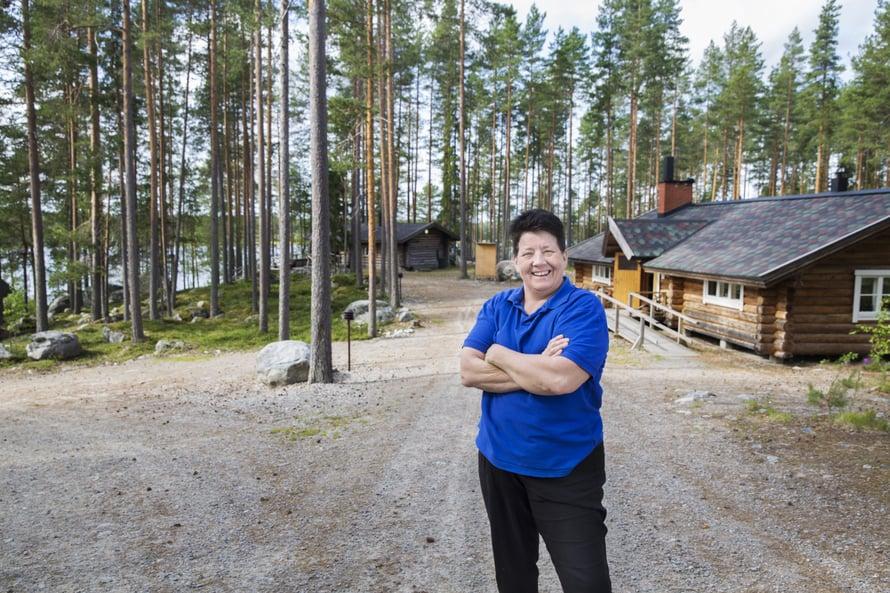 Rauni Hietanen on Raunin kylän pormestari, kokki ja viihdytysjoukot.