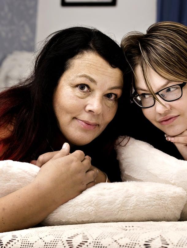 Tyttärentytär Krista on pian samanikäinen kuin Sari äidiksi tullessaan.