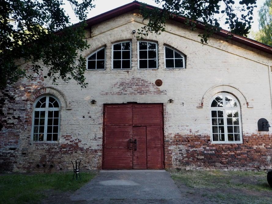 Valssaamo valmistui vuonna 1857. Valssaamalla ohennetaan kuumennettua terästä.