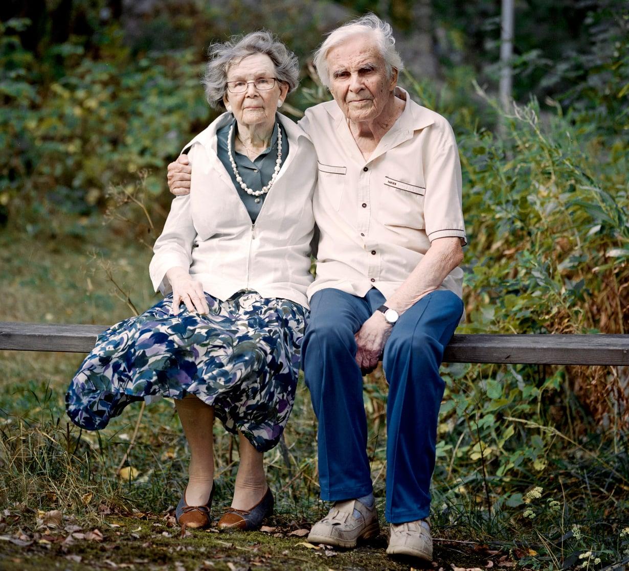 Sisko ja Leo ovat olleet yhdessä 70 vuotta. Jutun alkuperäiset tekstit kokonaisuudessaan ja kuvat löytyvät Hannamari Shakyan kirjasta Tavallaan voi rakastaa.