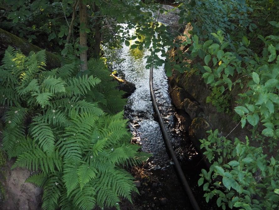 Mathildedalin ruukkialueen halki kulkee puro, josta ruukki alun perin sai voimansa, tai kenties osan siitä. Tämä on Mathildedalin voimauoma, pikku Tammerkoski. Jäljellä on pieni pato ja vesiratas.