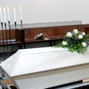 Kuka Maksaa Hautajaiset