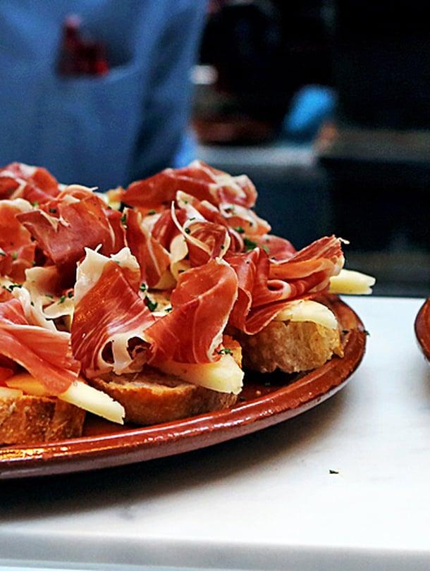 Boqueria tarjoaa aitoa Espanjaa suupala kerrallaan.