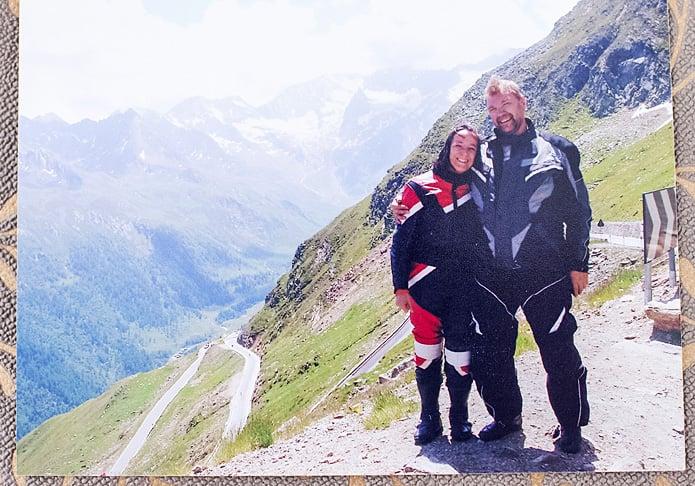 Tuore kihlapari Alpeilla vuonna 2006.